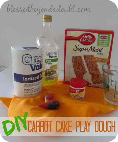 Make this Carrot Cake smelly play dough for your kids! It will keep them busy!