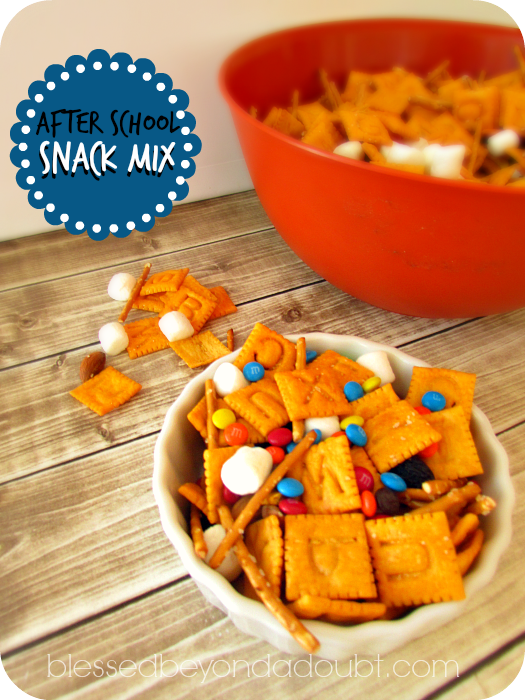 Fun and EASY after school snack mix!