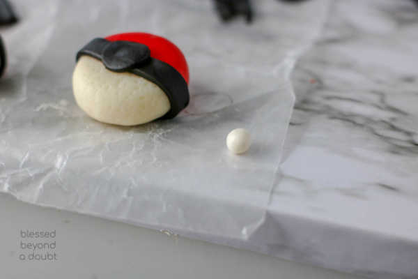 Be the the cool mom on the block and make these easy DIY Pokeball cheese snacks. #pikachu #DIY #snacks